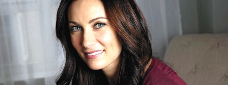 Laura Benanti: Supergirl's Mom!