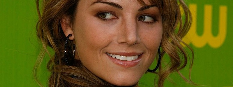 Erica Durance Joins Cast in Recast Role