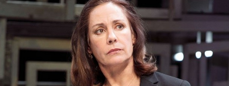 Laurie Metcalf Guest Stars